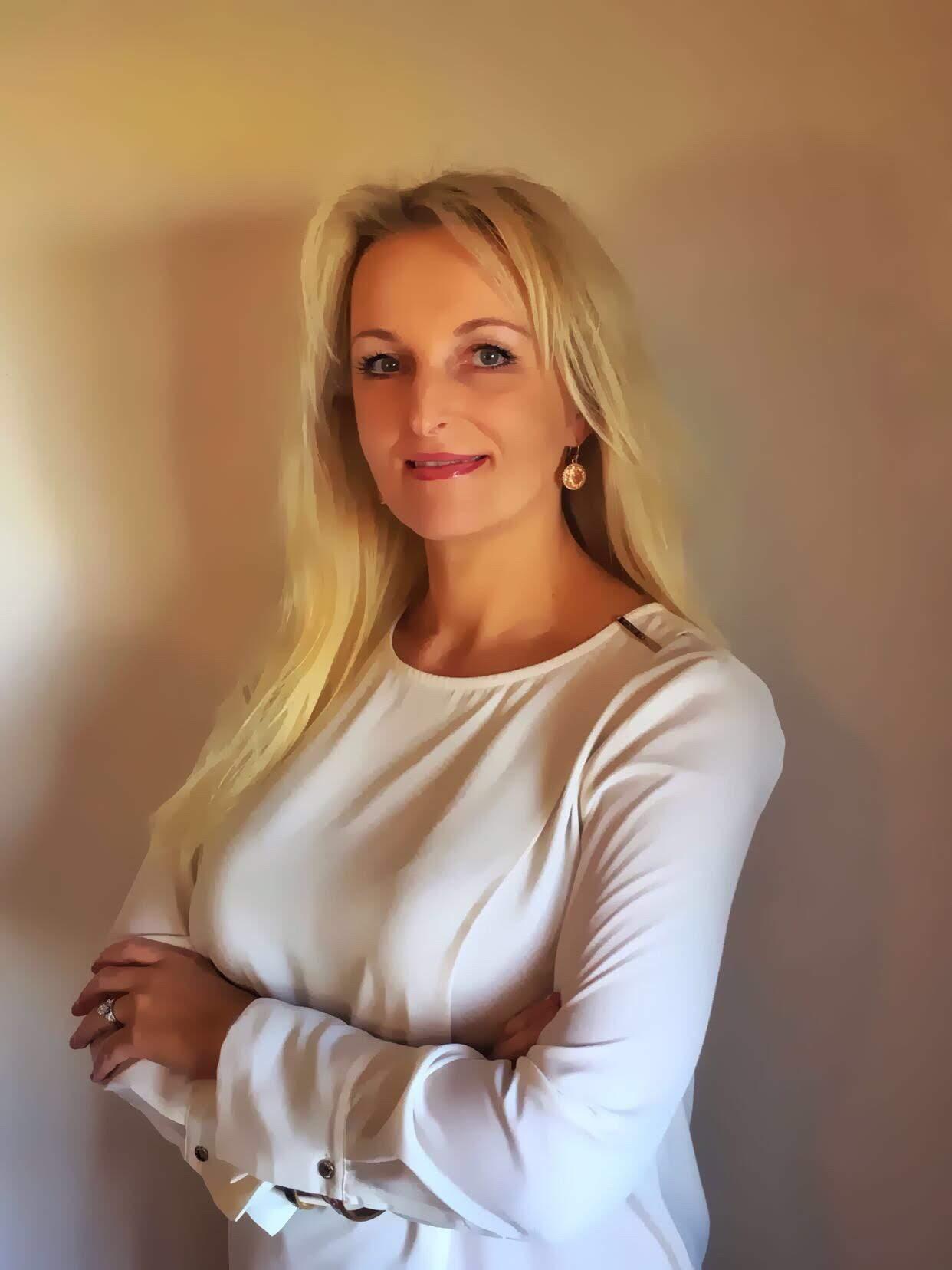 Ewelina Mitchell Polish Realtor in Broward County